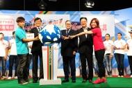 (左起)方力申, 彭沖, 霍震霆, 張文新, 蔡曉慧主持奧運第一台開幕儀式